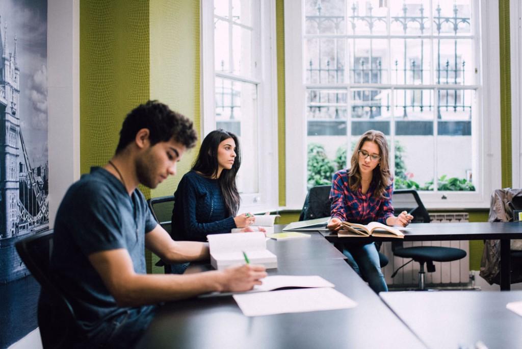 Bildungskarenz in Kombination mit einer Sprachreise